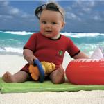 17 vecí, ktoré zbaliť deťom na dovolenku k vode